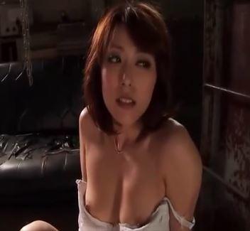 (ヒトヅマムービー)《ヒトヅマの屈辱》ストーカーに狙われた白いカラダが体液で汚される☆