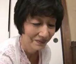 【人妻動画】(還暦)老年ダンナ婦が久しぶりのSEXにはげしく燃え絶頂痙攣する