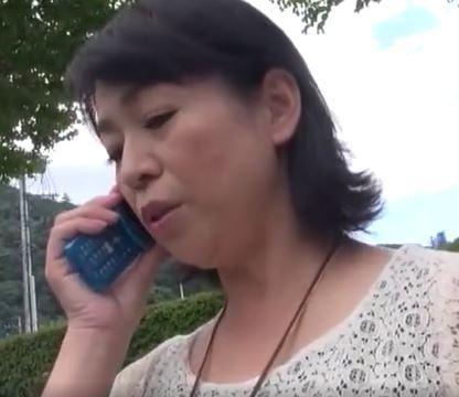 (ヒトヅマムービー)(50代の欲望)反抗期のムスコと美美巨乳ヒトヅマが背徳の旅に進んでいく☆