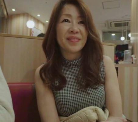 (ヒトヅマムービー)(ヒトヅマキャッチ)ダンナ婦の営みがない50代の熟妻がはげしく乱れ狂う☆
