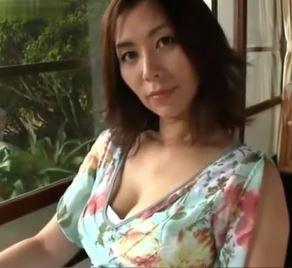 (ヒトヅマムービー)(40代の裸体)余りにも妖艶すぎる円熟したヒトヅマの美美巨乳カラダww翔田千里