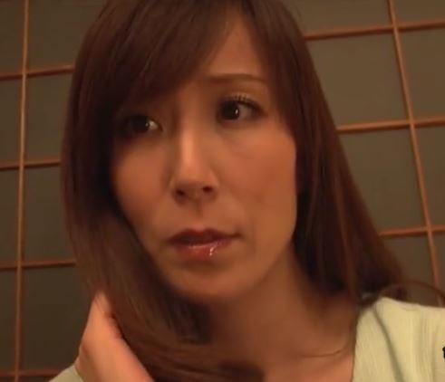 (ヒトヅマムービー)(40代のヒトヅマ)見知らぬ男の絶倫オチンチンに突かれるキモチ良さが忘れられないww高坂保奈美