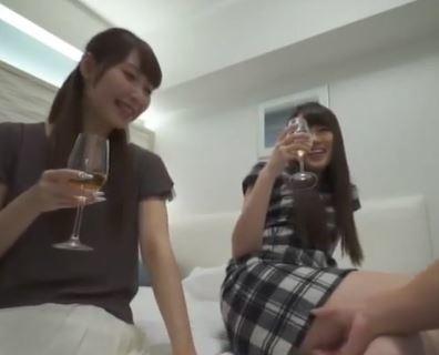 (ヒトヅマムービー)(ヒトヅマキャッチ)仲良しお母ちゃん友二人を酒で酔わせてHOTELで大大大乱交☆