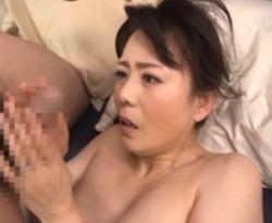(ヒトヅマムービー)(三浦恵理子)義理の姉さんの満湖グチョグチョだよww貞操観念がない奥さん
