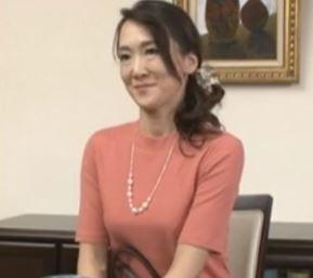 (ヒトヅマムービー)(初撮り50代)五年もレスなモデル妻がキモチ良さを求めて他人のチンチンを受け止める☆