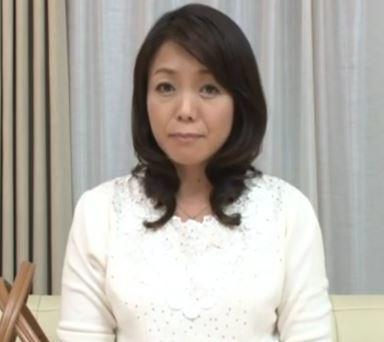 (ヒトヅマムービー)(初撮り奥さん)50代のヒトヅマが淫らな姿を恥じらいもなく曝け出す☆