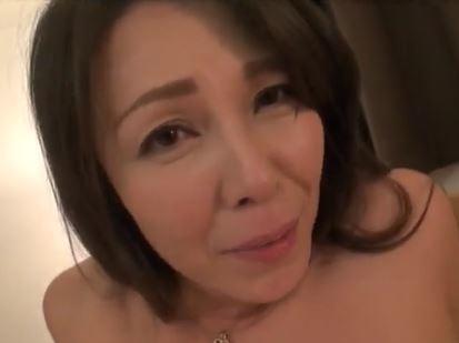 (ヒトヅマムービー)(50代)SEX映像を撮られたヒトヅマが脅され男たちの玩具にされる☆