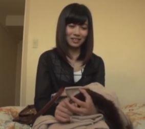(ヒトヅマムービー)《初撮り奥さん》セックス☆は嫌いだけどおカネの為なら我慢します☆