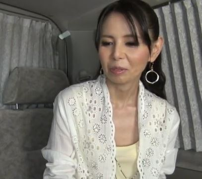 【人妻動画】《人妻キャッチ》才を重ねても美意識が強い金持ちヒトヅマをHOTELに御持ち帰り☆