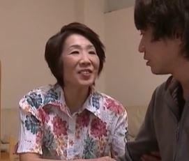 【人妻動画】《還暦の性欲》まだまだ現役の婆ちゃんがヤングちんこを貪る☆