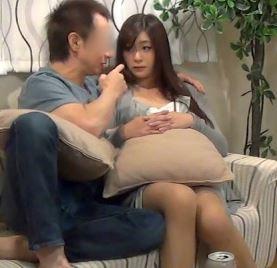 【人妻動画】《ヒトヅマキャッチ》ヨメに逃げられたヤリチン野郎がヒトヅマをお家に連れ込みハメドリした映像