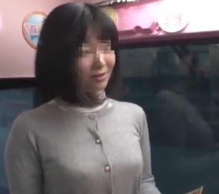 (ヒトヅマムービー)《ヒトヅマキャッチ》純情な30代の奥さんが初めての口内射精に挑戦