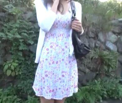 (ヒトヅマムービー)《若ヅマキャッチ》田舎の道端で見つけた純粋な美美巨乳奥さんにせくはら行為をして見た☆