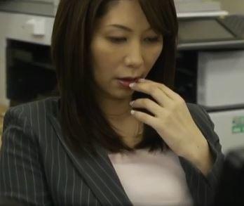《翔田千里》むちむち巨乳の人妻は会社の部下に寝取られてしまうのか!