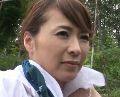 (ヒトヅマムービー)《矢部寿恵》熟れたカラダが若いオチンチンを求めてネトられナカ出し性行為☆