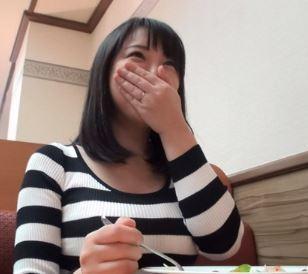 (ヒトヅマムービー)《ロケット乳妻キャッチ》ぽっちゃカワイい奥さんと恋人気分でウワキSEX☆
