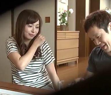 (ヒトヅマムービー)《ネトられヒトヅマ》義弟とダンナの居ない日中にカンケイをもってしまう淫欲妻☆