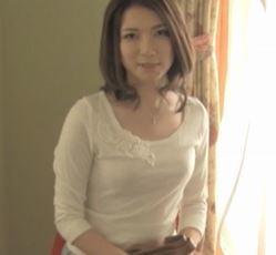 (ヒトヅマムービー)《初脱ぎ奥さん》もう一度、ダンナ以外に抱かれてみたかったんです☆