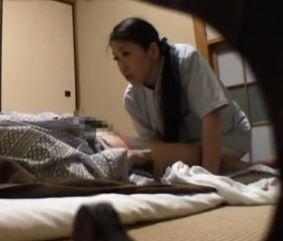 (ヒトヅマムービー)《ネトられ熟妻》寂れた混浴宿で密かに行われていた裏サービス