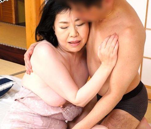 【人妻動画】古希失神母…50代かと思ったら七十路☆ヤング棒に何度も逝かされる