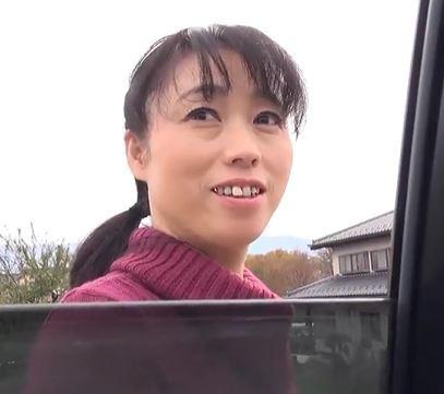 【人妻動画】《人妻キャッチ》地方で農家のオバちゃんを口説いてワイセツ行為