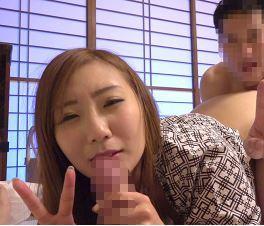 (ヒトヅマムービー)えぇ嘘でしょ☆Vカメラに勤め先の同僚たちと淫らな行為をしているヨメの姿が…