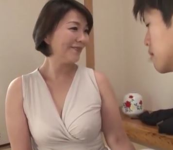 (ヒトヅマムービー)《円城ひとみ》熟れたぽちゃ白肌の虜になってしまった若者と交わる美美巨乳のヒトヅマ