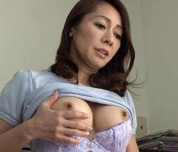 (ヒトヅマムービー)50代のモデル妻には秘密があった☆それは重度の巨性器依存症でした…