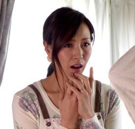 【人妻動画】元気なチンチンを見ると子宮が疼きだす異常な性欲の熟妻さん