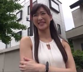 (ヒトヅマムービー)ゲスウワキ☆モデル風のモデル奥さんが他人とダンナには見せないセックス☆な姿を晒す