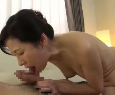 (ヒトヅマムービー)《高齢ヒトヅマ》熟練のテクでビン立ちした性器を膣内内にぶち込まれ喘ぐあくめする還暦まじかのヒトヅマさん