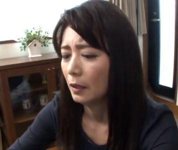 (ヒトヅマムービー)(三浦恵理子)欲求不満だった義母は若くてギンギンのオチンチンをブチ込まれ狂ったようにイキまくる