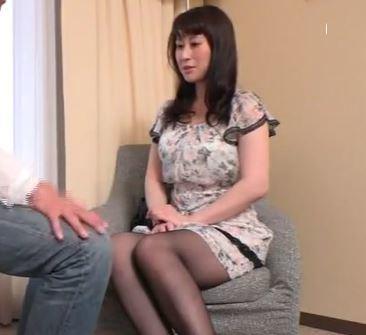 (ヒトヅマムービー)(ヒトヅマキャッチ)純粋で純粋なモデル妻でも本当はSEX好きで見知らぬ男とウワキしてしまう
