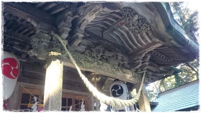 羽黒山神社・拝殿木鼻狛犬