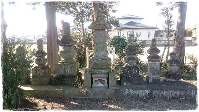 寒川尼の墓
