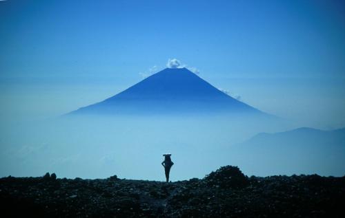 Mount_Fuji_from_Mount_Aino_convert_20161215230437.jpg