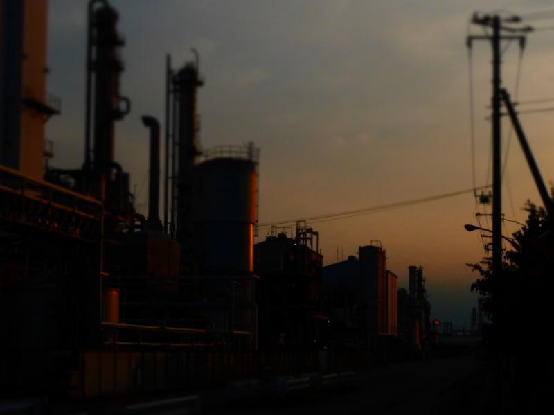夕暮れ工場3