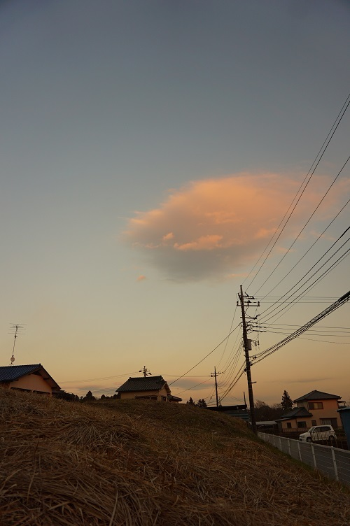 鬼塚古墳 墳丘上の夕雲