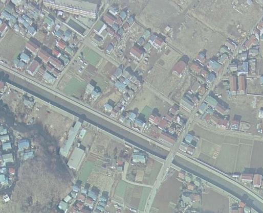 国土地理院空中写真19750103_CKT7415-C40-21を拡大
