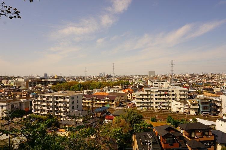 03 神庭緑地へ上る階段より