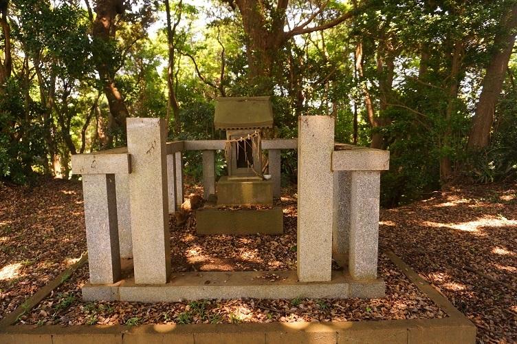 06 潮来浅間塚古墳墳頂の浅間神社