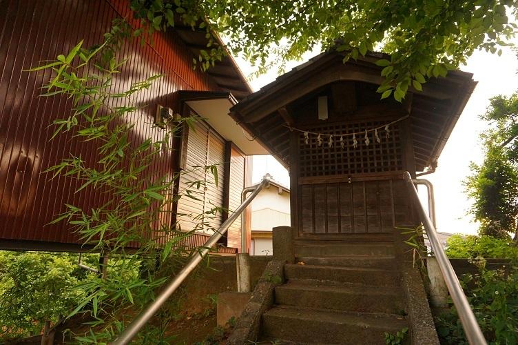 05 川越砂新田シベイ塚墳頂吉田神社