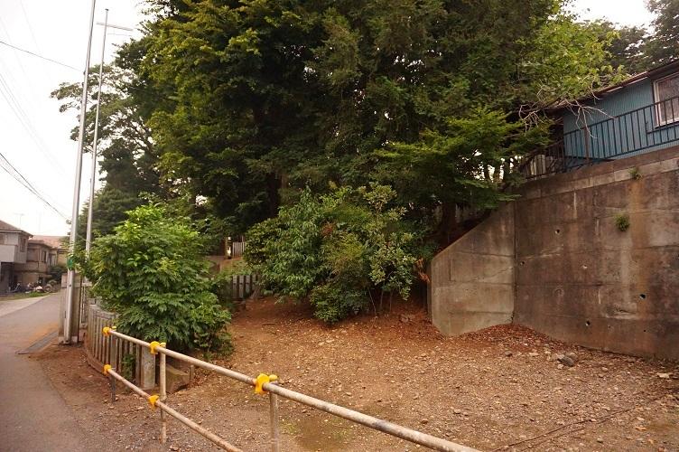 15 川越藤間諏訪神社下の崖面(北東側)