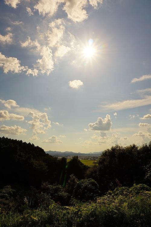 04 夕田茶臼山古墳後円部墳頂より西側眺望