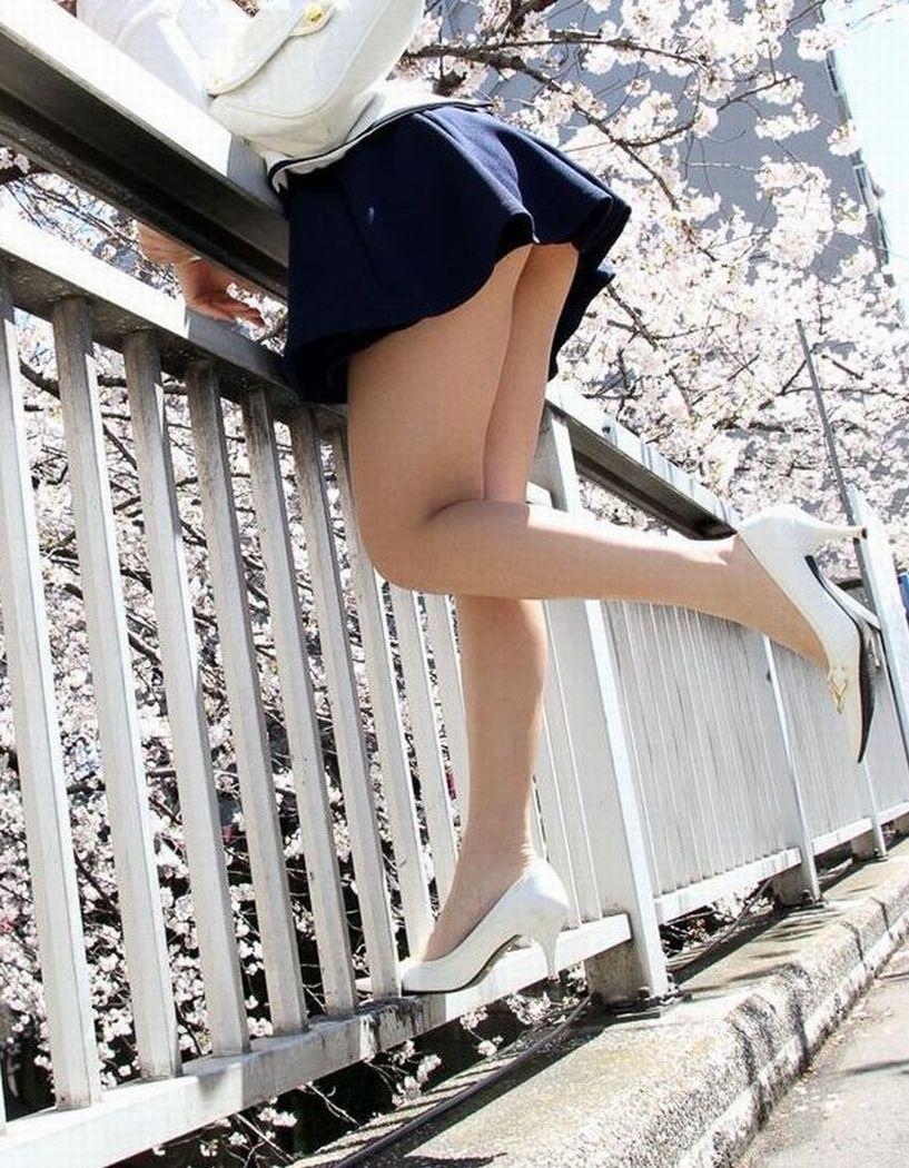 女性たちも~春爛漫~ 美足に~太腿~パンツ丸見え☆でぇぃ☆