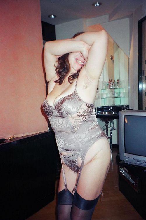 【エロ画像】補正下着で矯正出来ない熟女・人妻のたるんだ完熟ボディ! 35枚 No.31