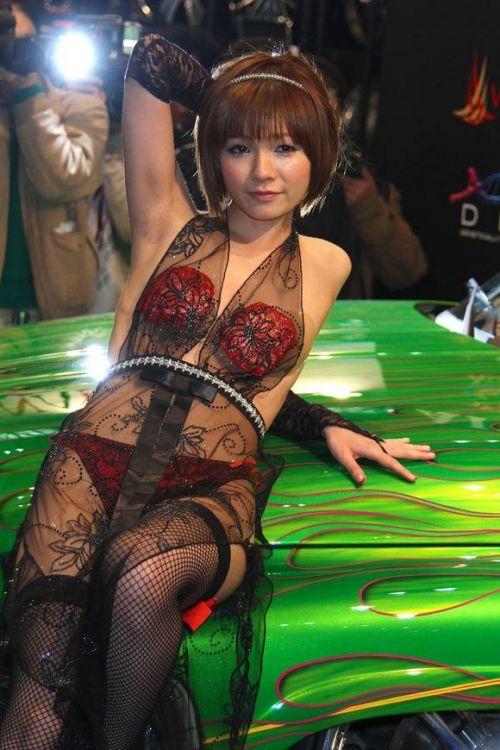 【画像】キャンギャルの衣装がエロ過ぎて商品がどうでもいい件www 38枚 No.12