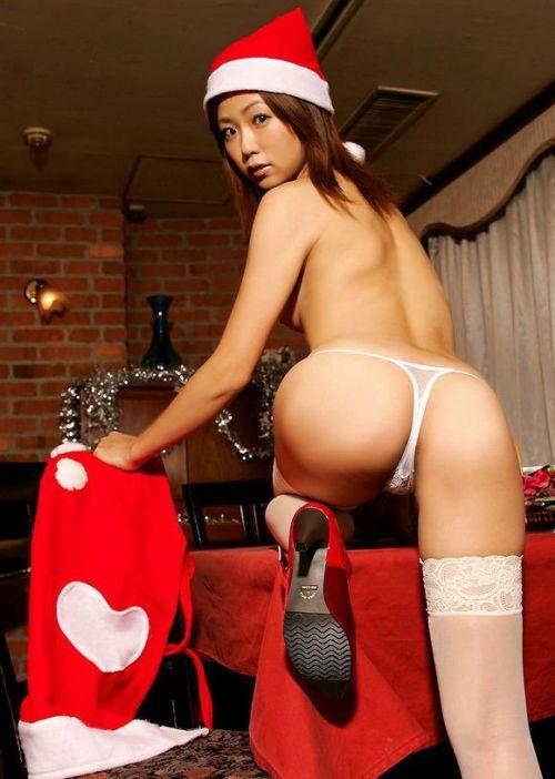 【画像】クリスマスにサンタコスプレして下半身ヌードの女の子エロ過ぎwww 45枚 No.11
