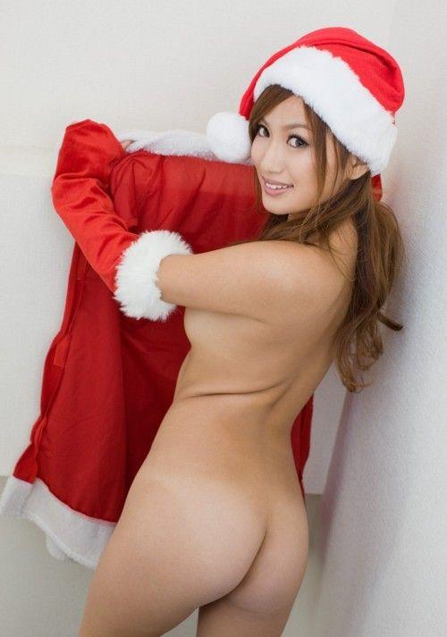 【画像】クリスマスにサンタコスプレして下半身ヌードの女の子エロ過ぎwww 45枚 No.14