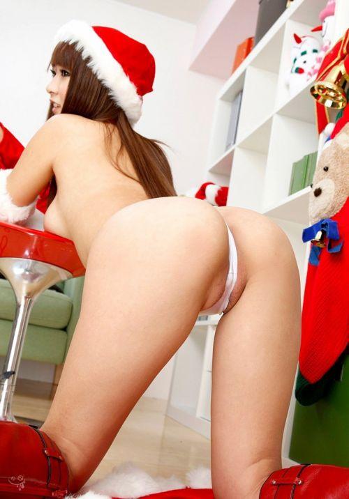 【画像】クリスマスにサンタコスプレして下半身ヌードの女の子エロ過ぎwww 45枚 No.23